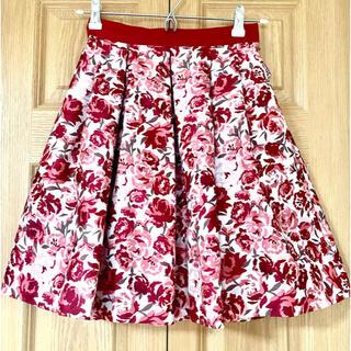 アベニールエトワール(Aveniretoile)の美品⭐️アベニールエトワール赤花柄スカート34(ひざ丈スカート)