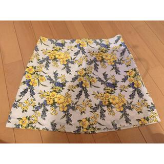 フォーエバートゥエンティーワン(FOREVER 21)の新品未着用 Forever21 台形 スカート 花柄(ミニスカート)