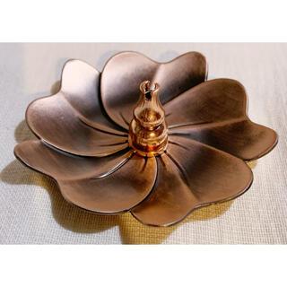 ✧︎再入荷✧︎ お香立て、灰皿、蝋燭立てに チベット土産④花のお香立てコパー