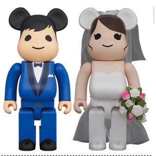 メディコムトイ(MEDICOM TOY)の【BE@RBRICK】 グリーティング結婚 4 PLUS 400%(その他)