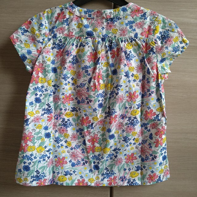 PETIT BATEAU(プチバトー)のPETIT BATEAU プチバトー プリント半袖ブラウス キッズ/ベビー/マタニティのキッズ服女の子用(90cm~)(Tシャツ/カットソー)の商品写真