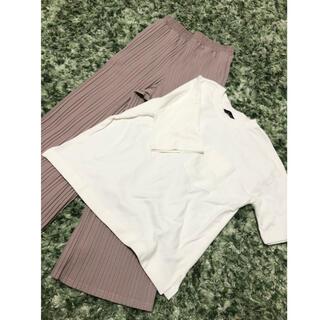 シマムラ(しまむら)のしまむら 未使用 ホワイトTシャツ 中桃プリーツパンツ2点セット(セット/コーデ)