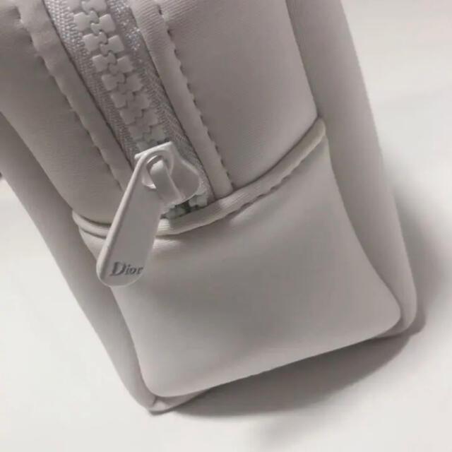 Dior(ディオール)のディオール ポーチ 白 レディースのファッション小物(ポーチ)の商品写真