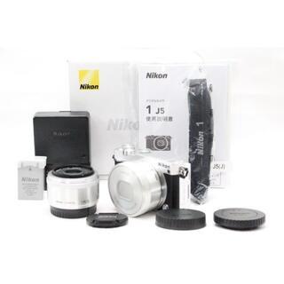 ニコン(Nikon)のNikon Nikon1 J5 シルバー ダブルレンズキット(ミラーレス一眼)