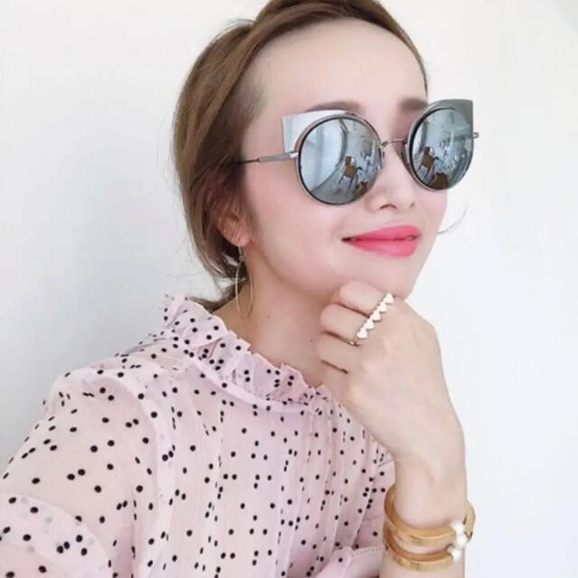 FENDI(フェンディ)のfendi ミラー キャッツアイ レディースのファッション小物(サングラス/メガネ)の商品写真