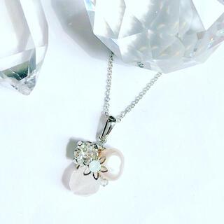 スワロフスキー(SWAROVSKI)の【天然石】 ローズクォーツ  宝石箱のようなネックレス (ネックレス)
