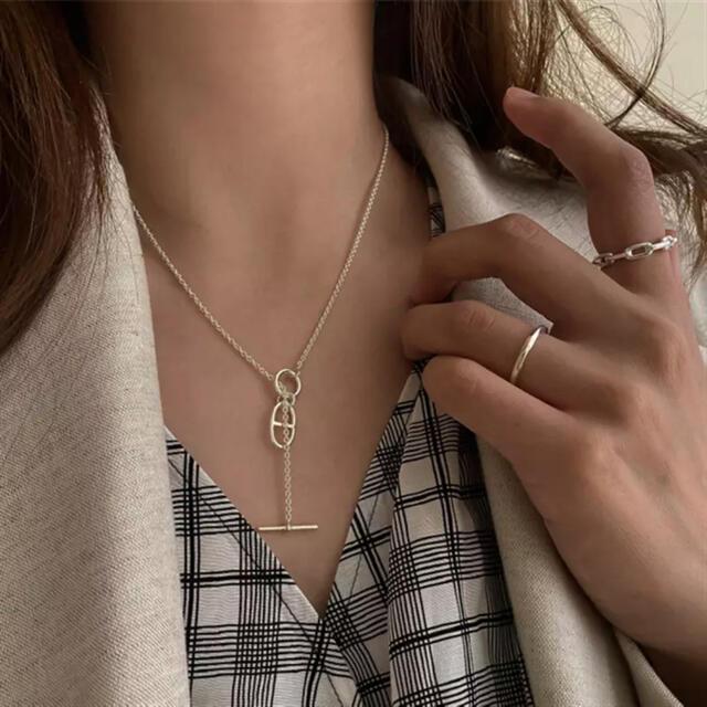 theory(セオリー)のシルバー ゴールド ネックレス ペンダント レディースのアクセサリー(ネックレス)の商品写真