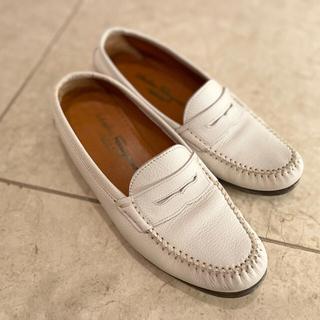 サルヴァトーレフェラガモ(Salvatore Ferragamo)のSalvatore Ferragamo フェラガモ フラットシューズ ローファー(ローファー/革靴)