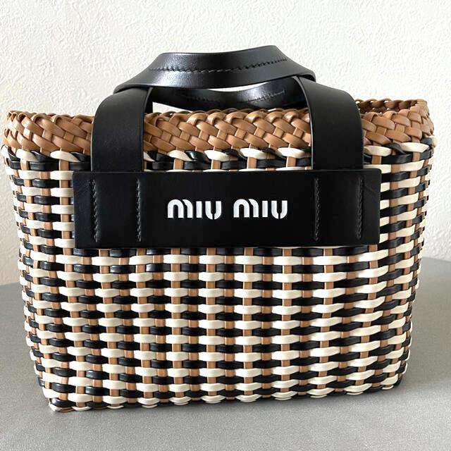 miumiu(ミュウミュウ)のmiu miu トートバッグ ショルダーストラップ付き レディースのバッグ(トートバッグ)の商品写真