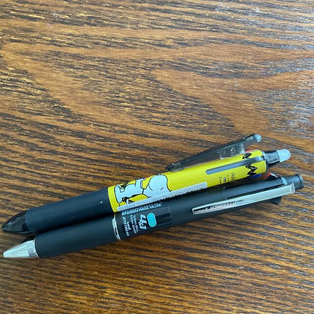 SNOOPY(スヌーピー)のスヌーピー  フリクション3色ボールペン•ジェットストリーム4&1 インテリア/住まい/日用品の文房具(ペン/マーカー)の商品写真