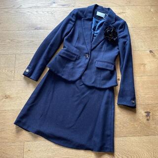 エニィスィス(anySiS)の新品 anySIS セット ジャケット スカート ネイビー サイズ2 M(スーツ)