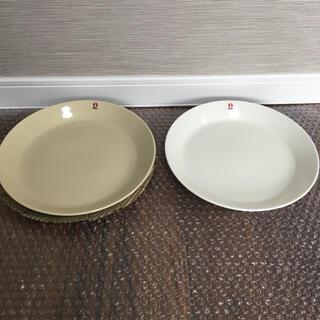 イッタラ(iittala)のイッタラ ティーマ プレート23cm ホワイトとリネン 2枚セット(食器)