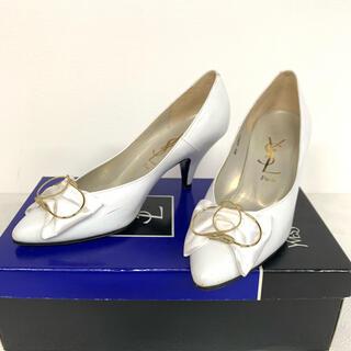 イヴサンローランボーテ(Yves Saint Laurent Beaute)のYSL イヴ サンローラン パンプス 靴 白 シューズ リボン ハイヒール(ハイヒール/パンプス)