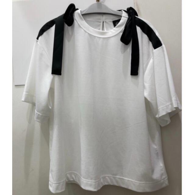 GU(ジーユー)のリボンデザインT ホワイトL GU アンダーカバー レディースのトップス(Tシャツ(半袖/袖なし))の商品写真