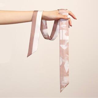 hince スカーフ