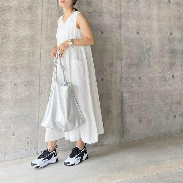NIKE(ナイキ)の【美品】NIKE W Zoom 2K レディースの靴/シューズ(スニーカー)の商品写真