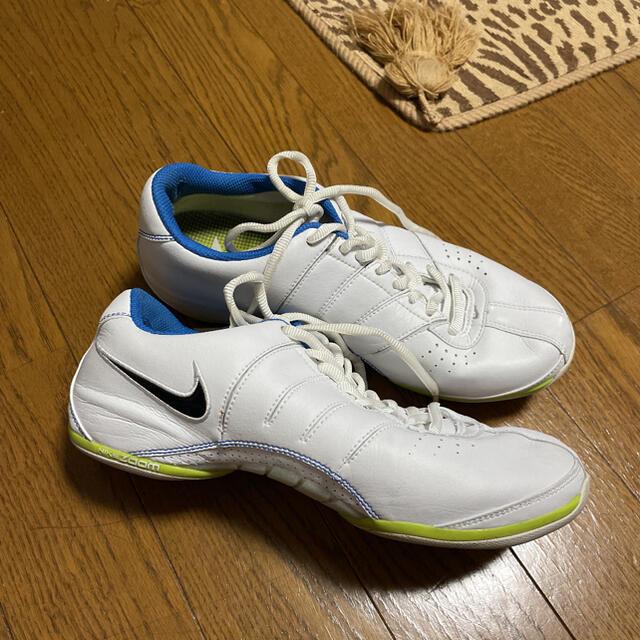 NIKE(ナイキ)の最終お値下げ‼️スポーツジムで‼️ NIKE ナイキ スポーツシューズ レディースの靴/シューズ(スニーカー)の商品写真