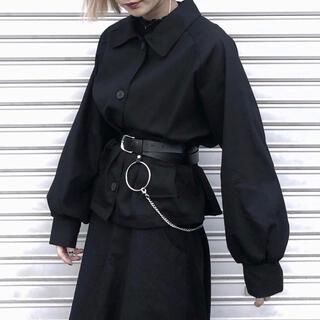 ブラック シャツ