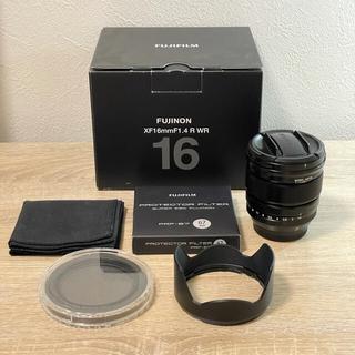 フジフイルム(富士フイルム)の【美品】FUJIFILM XF 16mm F1.4 R WR レンズフィルター付(レンズ(単焦点))