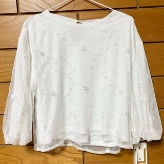しまむら - しまむら Mサイズ チュール袖バルーン 花刺繍ブラウス