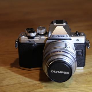OLYMPUS - OLYMPUS OM-D E-M10 mk2 レンズ2本セット