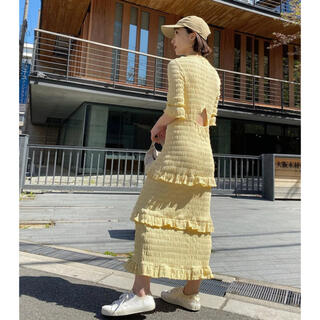 Drawer - MEER. メーアShirring frilled dress(LEMON)完売