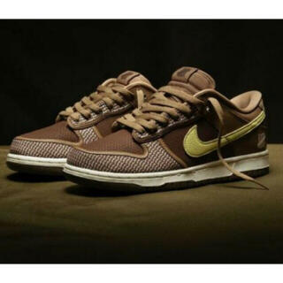 UNDEFEATED × NIKE DUNK LOW SP ダンク(スニーカー)