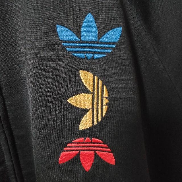 adidas(アディダス)の未使用美品 adidas トラックジャケット ジャージ 3連ロゴ メンズ XL メンズのトップス(ジャージ)の商品写真