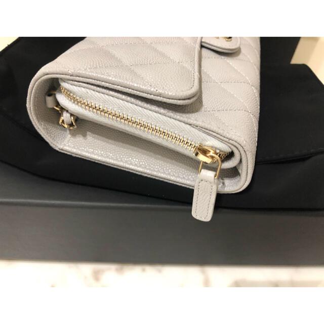 CHANEL(シャネル)の新品 CHANEL  チェーンウォレット フォーンホルダー 21A新作 長財布 メンズのファッション小物(長財布)の商品写真