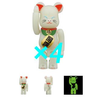 メディコムトイ(MEDICOM TOY)のBE@RBRICK 招き猫 蓄光 弐 100% ベアブリック メディコムトイ (その他)