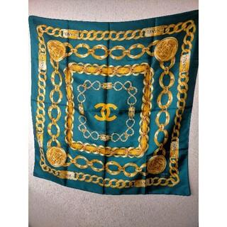 シャネル(CHANEL)のCHANEL スカーフ シルク100% ココマーク ゴールドチェーングリーン(バンダナ/スカーフ)