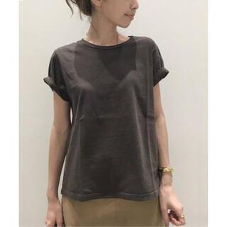 アパルトモンドゥーズィエムクラス(L'Appartement DEUXIEME CLASSE)のREMI RELIEF Compact Tシャツ(Tシャツ(半袖/袖なし))