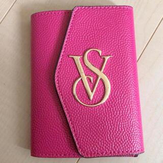 ヴィクトリアズシークレット(Victoria's Secret)のパスポートケース ビクトリアシークレット(パスケース/IDカードホルダー)