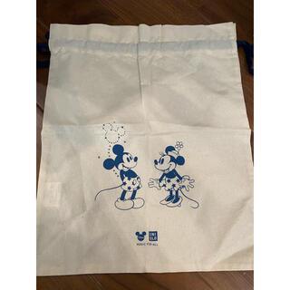 ユニクロ(UNIQLO)の【新品】UNIQLO ミッキー&ミニー 巾着バッグ(ポーチ)