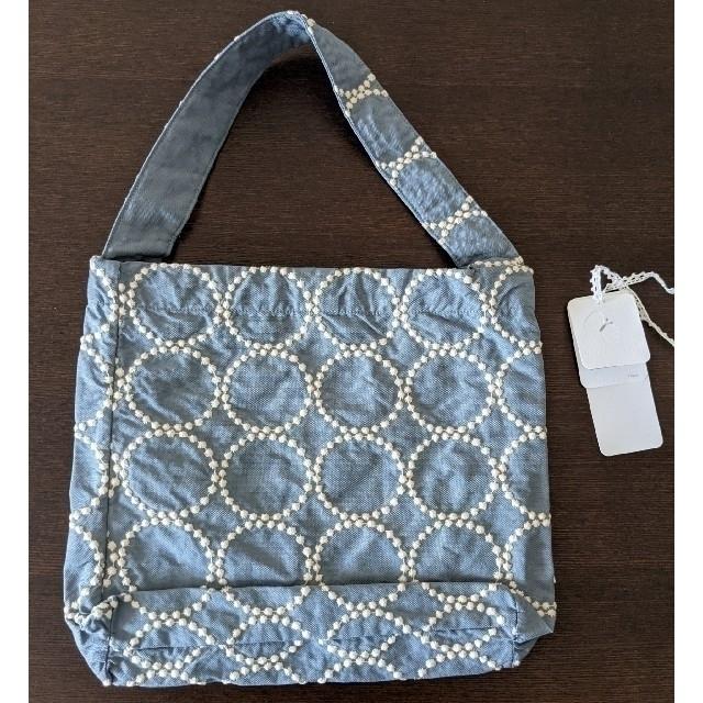 mina perhonen(ミナペルホネン)のミナ ペルホネン タンバリン ホリデーバッグ 小  2020s/s ブルーグレー レディースのバッグ(ハンドバッグ)の商品写真