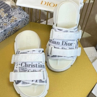 ディオール(Dior)の超人気!!!Dior クリスチャンディオール ハイヒール サンダル(その他)