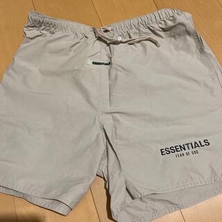 フィアオブゴッド(FEAR OF GOD)のESSENTIALS shorts S ベージュ(ショートパンツ)