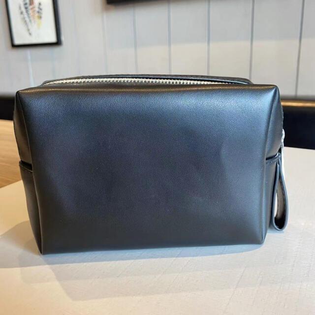 Yves Saint Laurent Beaute(イヴサンローランボーテ)の新品☆YSLイヴ・サンローランシャネルノベルティpouch cブラックBIG レディースのファッション小物(ポーチ)の商品写真