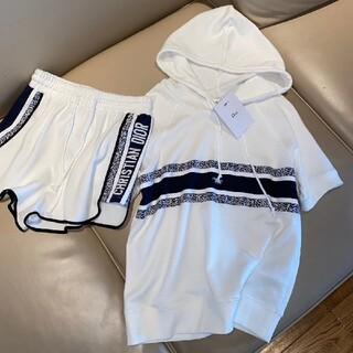 ディオール(Dior)の【新品】Christian Dior半袖とズボンのスーツです(Tシャツ(半袖/袖なし))