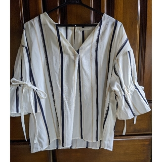 FUN  ブラウス袖リボン(シャツ/ブラウス(半袖/袖なし))