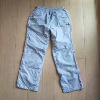 フィラ(FILA)のウィンドブレーカー(パンツ)裏起毛付き 長ズボン レディース Lサイズ(カジュアルパンツ)
