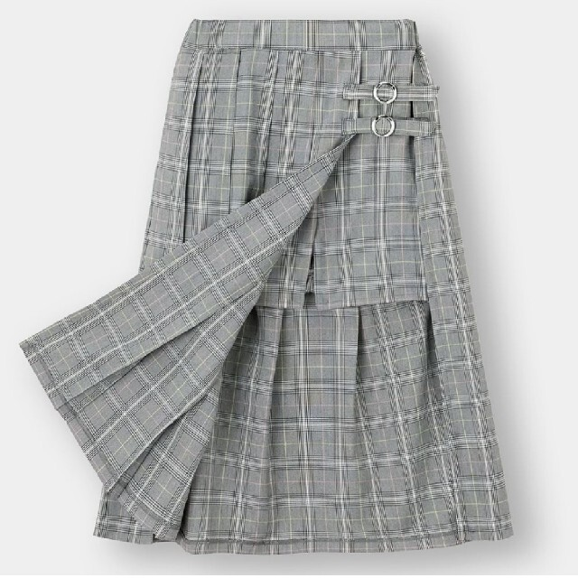 GU(ジーユー)のアシンメトリー プリーツスカート 黒 キッズ/ベビー/マタニティのキッズ服女の子用(90cm~)(スカート)の商品写真