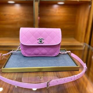 CHANEL - 超人気!!!シャネルピンクのチェーンバッグピンクのチェーンバッグピンク夏に似合う