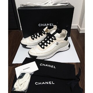 CHANEL - 極美品 国内正規 付属品完備 シャネル マトラッセ スニーカー 42 白