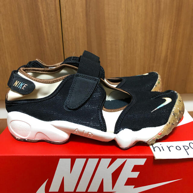 NIKE(ナイキ)のナイキ エア リフト NIKE WMNS AIR RIFT 25.0cm レディースの靴/シューズ(サンダル)の商品写真