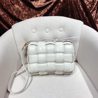 Bottega Veneta - 美品Bottega Veneta パデッドカセット ホワイト