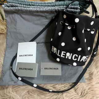 Balenciaga - BALENCIAGA WHEEL XS ドローストリング バケットバッグ ドット