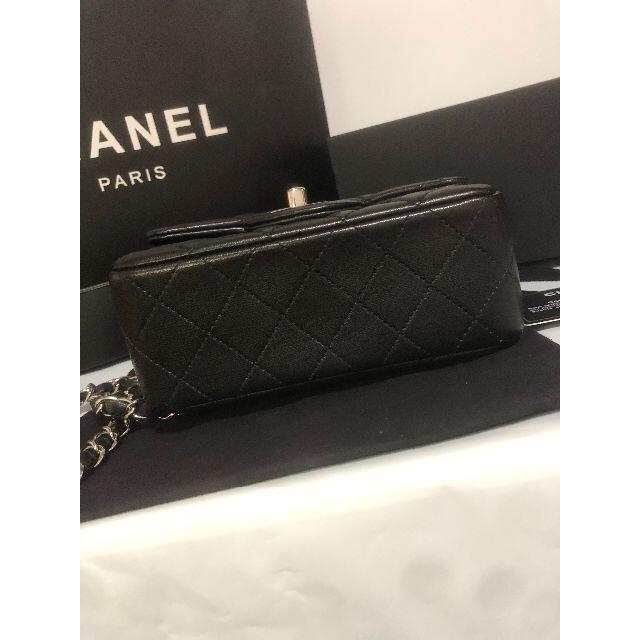 CHANEL(シャネル)のCHANEL ショルダーバッグ  シルバー金具xブラック レディースのバッグ(ショルダーバッグ)の商品写真