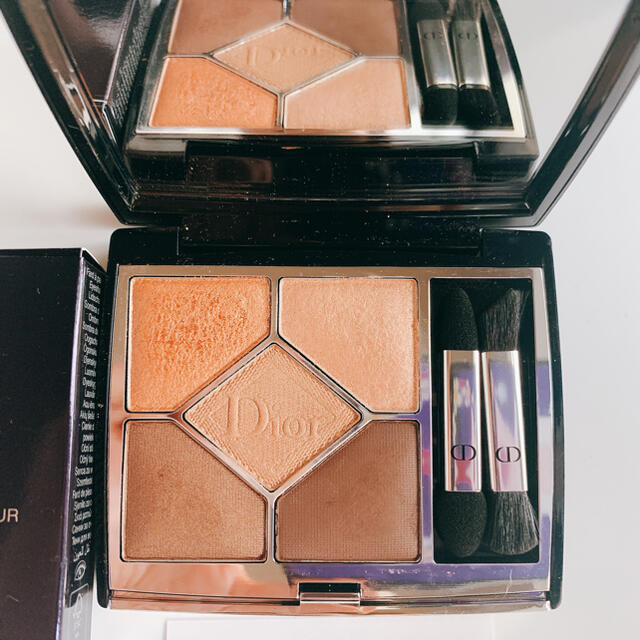 Dior(ディオール)のDior   ディオール サンク クルール クチュール 559 ポンチョ コスメ/美容のベースメイク/化粧品(アイシャドウ)の商品写真