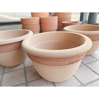 1個イタリア製 植木鉢 テラコッタ カンパネラ 丸 円 ブラウン 茶 ナチュラル(プランター)
